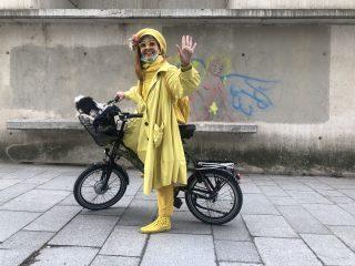 Chien à vélo
